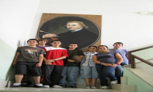 Los artistas que pintaron el retrato de Don Lorenzo Hervás y Panduro en la celebración del bicentenario